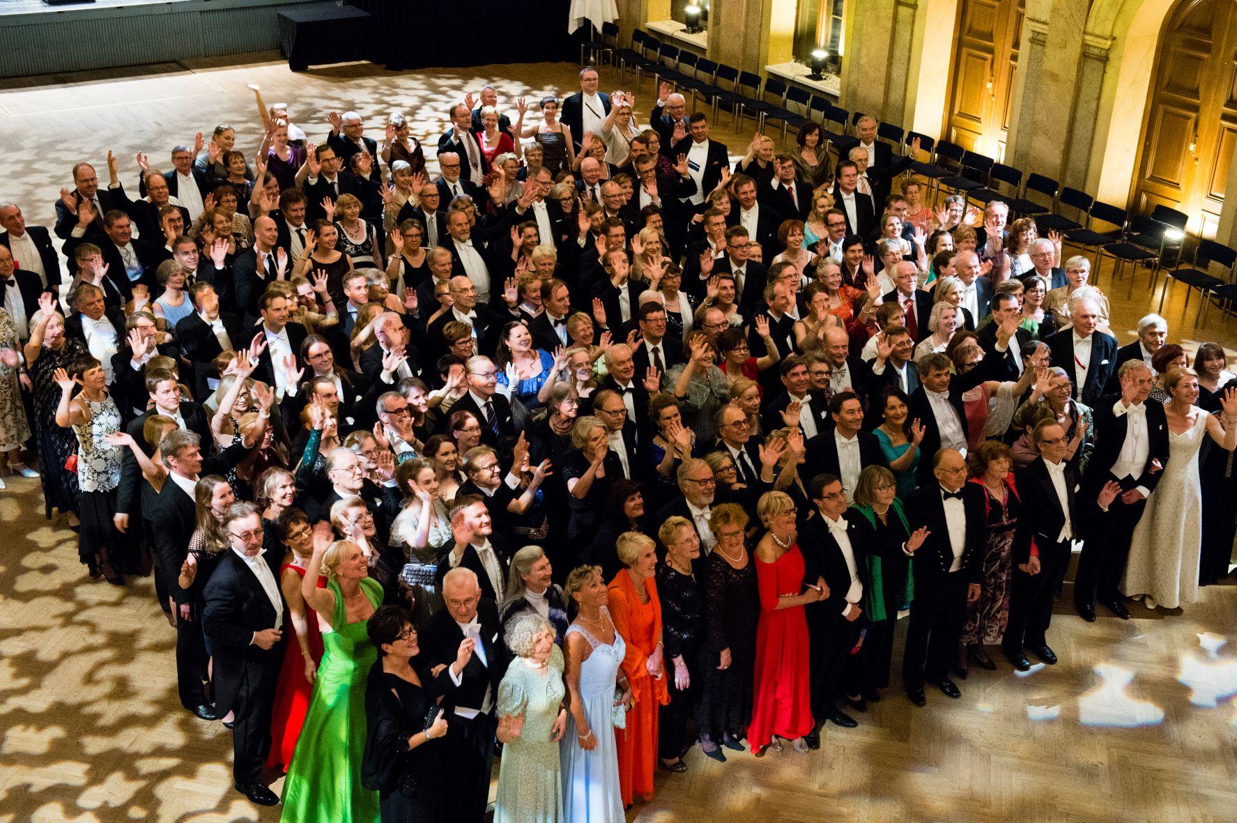 Alumnitanssiaiset 2015 pienempi